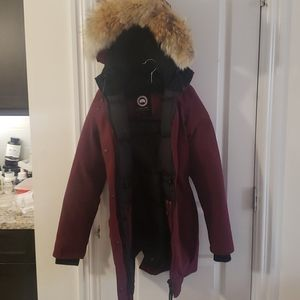Canada goose winter coat maroon colour
